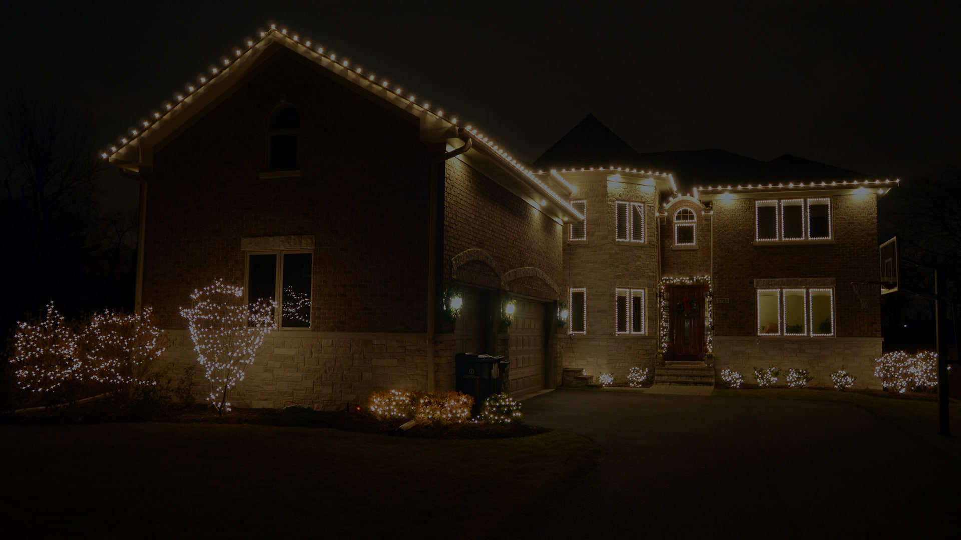 Northern Holiday Lighting Chicagoland Home