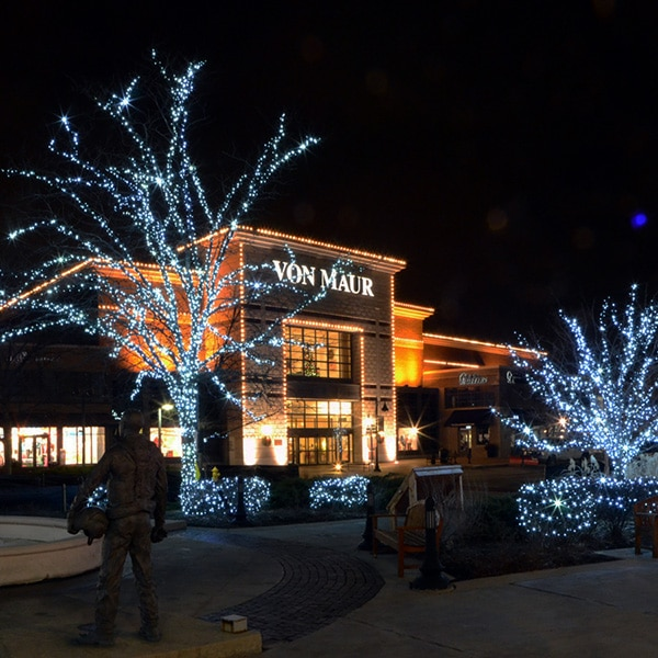 Northern Holiday Lighting Commercial Building Chicagoland